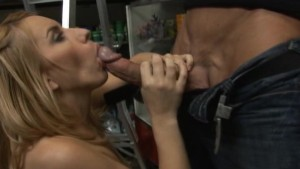 Lexi Belle - A Helping Hand