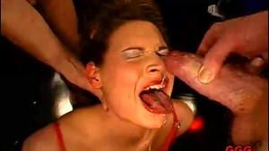 18 year old Gives a BJ