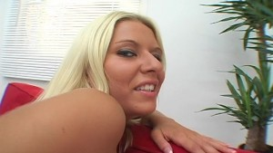 Horney gal loves to play with her pussy