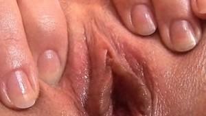 18yr old Paula Fingering Close-Up!