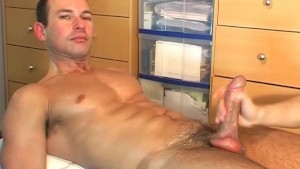 Marco, a real straight guy serviced by a guy in spite of him !