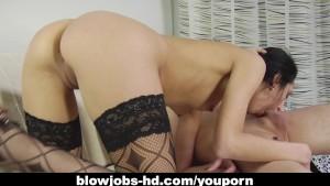 Captivating brunette gobbles up a hard dong