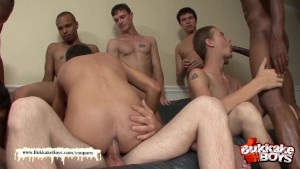 Twink s bukkake turns into an orgy