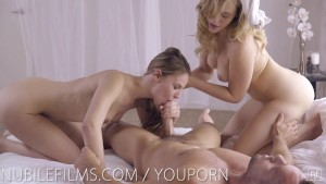 Cum swapping babes share cock and sex swing