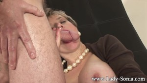 Lady Sonia fucks 2 guys gets covered in cum