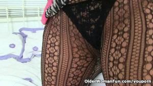 British milf Louise Bassett s pussy needs a good fingering