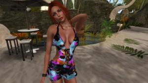 Une tres jolie femme virtuelle en mini robe sexy