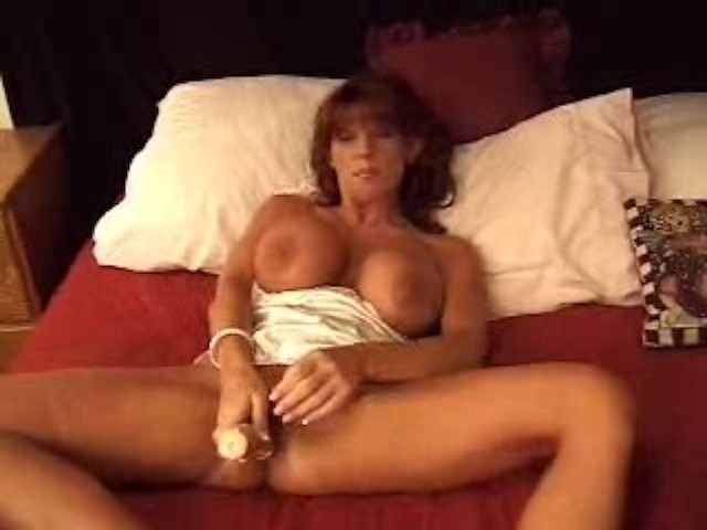 Hot Girl Fucks Herself Dildo