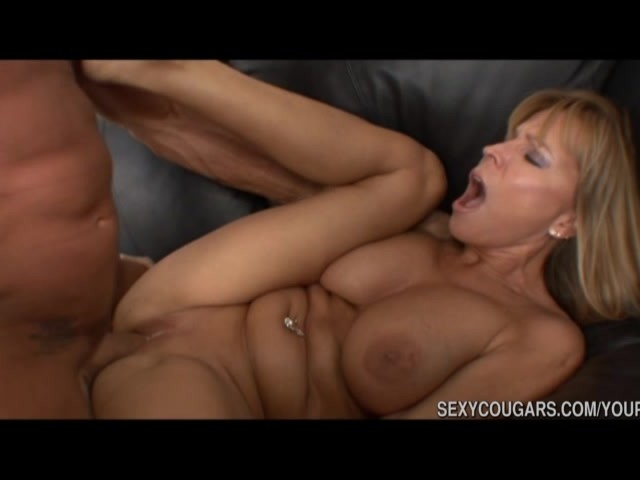 Amateur 50 Year Old Cougar