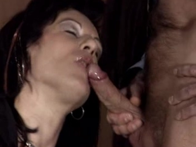 Milf Cum Mouth While Sucking
