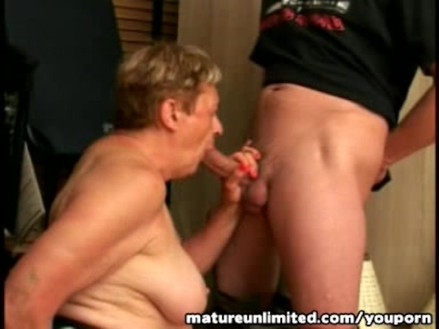 amateur grandma sucking cock