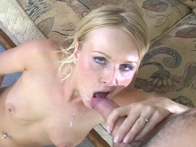 Stud cums in her pussy