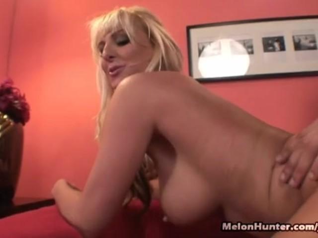 Hot Blonde Fucks Tinder Date