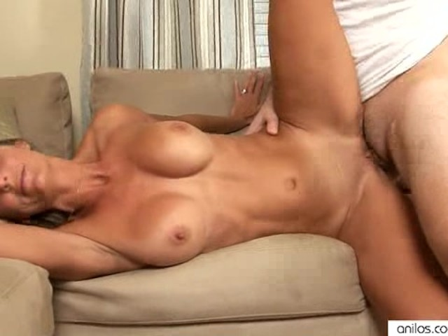 Hardcore Pussy Pounding Milf Gets A Cum Load Free Porn Videos