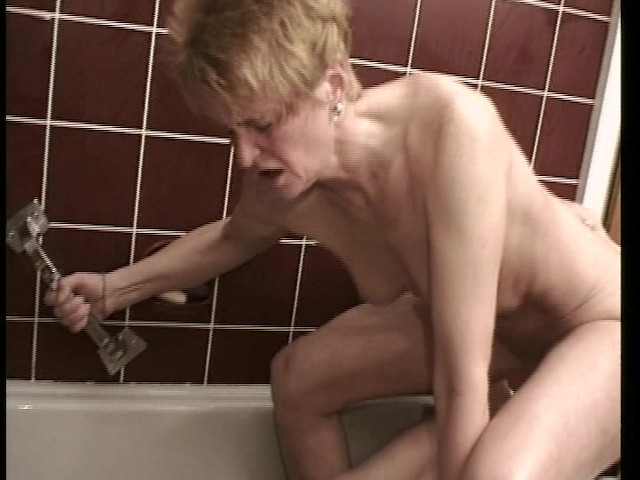 I Saw Grandpa Fucking Grandma In The Shower - Free Porn -9499