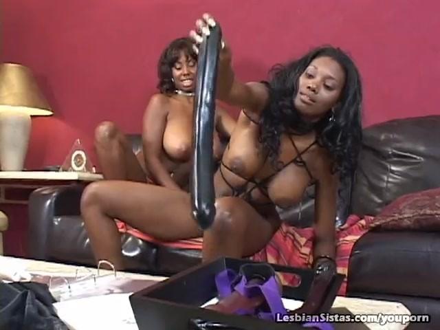 Amateur Ebony Lesbian Webcam