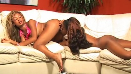 Hot pussy licking girls