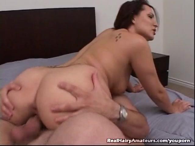 Amateur girl masturbating