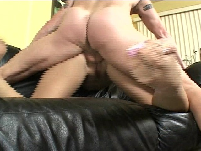 Bubble Butt Anal Pounding