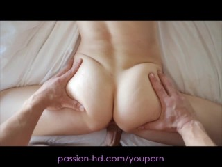 Passion-HD Teen Spinner Has a Sensual Sex Workout
