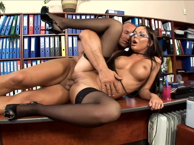 Office Secretary Fucked In Stockings And Heels - Free Porn -1620