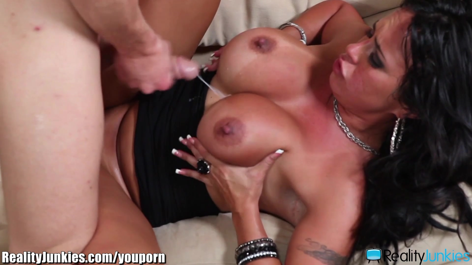 Wife and girl threesome