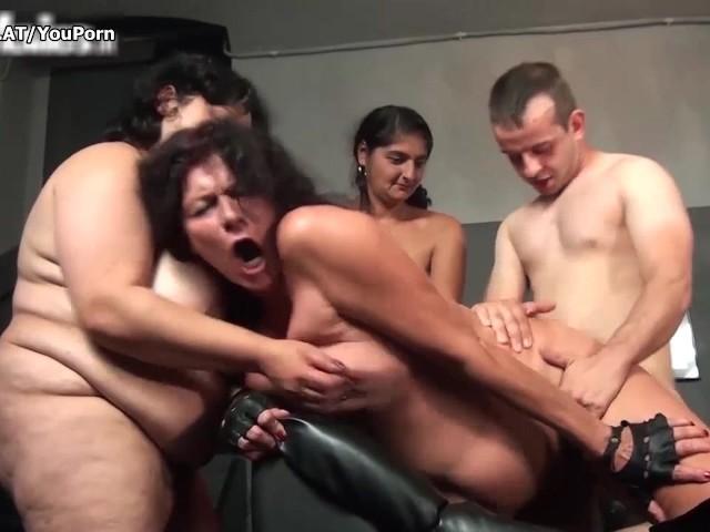 Amatuer orgie porno