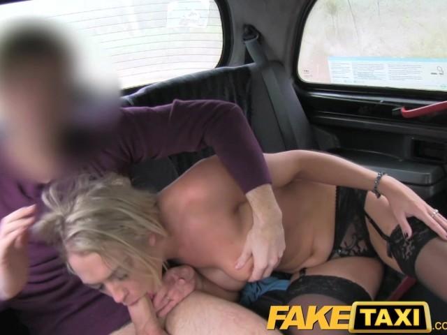 Порно видео порно в такси с блондинкой — img 11
