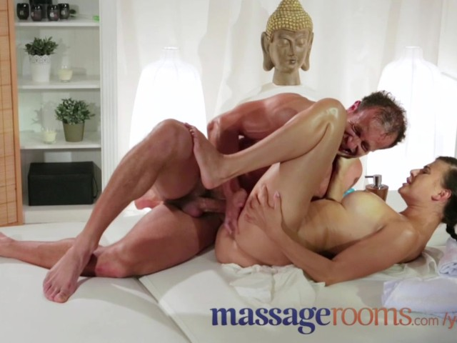 Massage Rooms Expert Masseur Technique Makes Girls Squirt Orgasmic