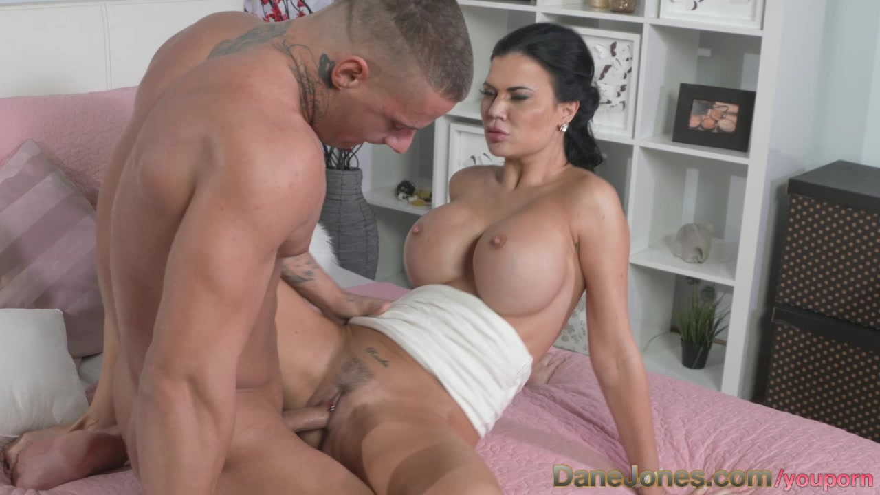 My wife needs to be fucked