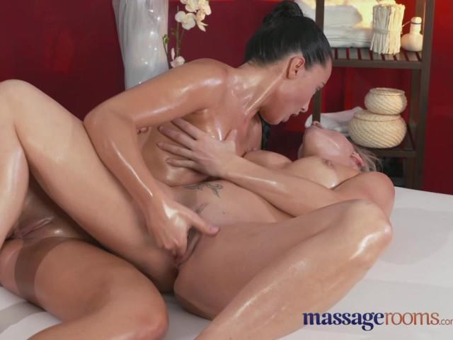 Black Lesbian Tongue Fuck