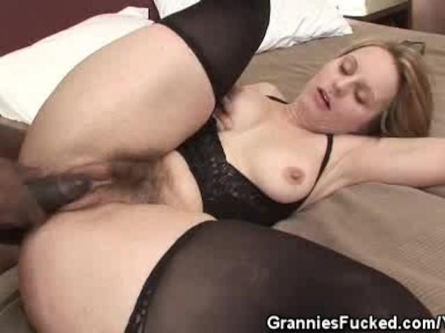 Hairy Pussy Granny Creampied - Бесплатное порно -