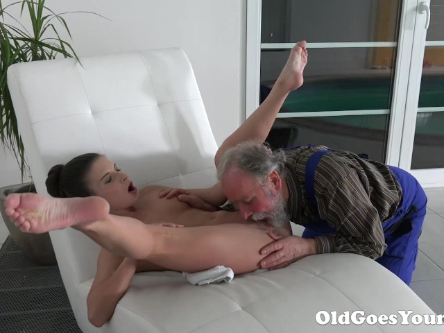 Old Man Is Very Grateful For Tight Teen Pussy - Free Porn -8881