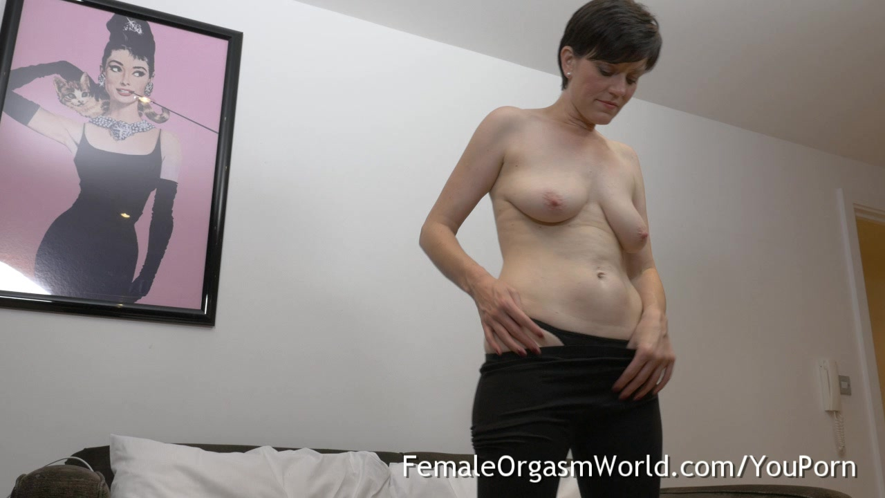 Sweet milk tits mommy shaving her hairy pussy full nude
