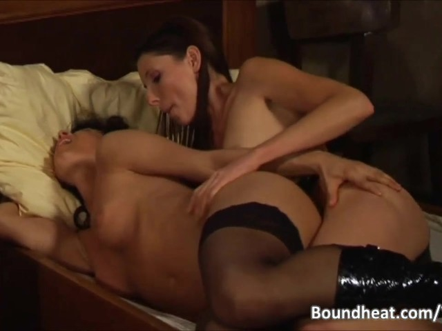 noir lesbiennes strapon sexe demi-soeur porno anal