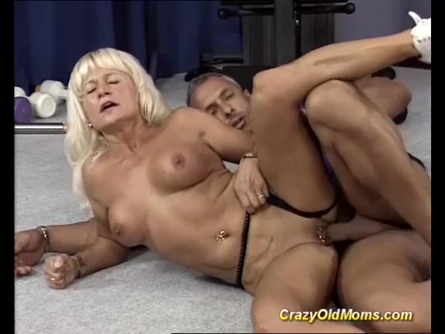 Muscle mom sex