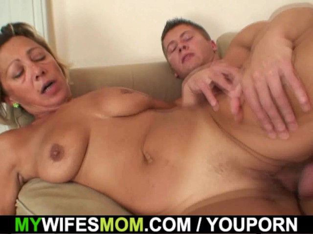 Fucking Friends Sexy Mom