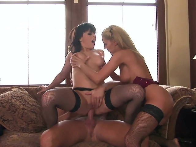 2 Ebony White Guy Threesome