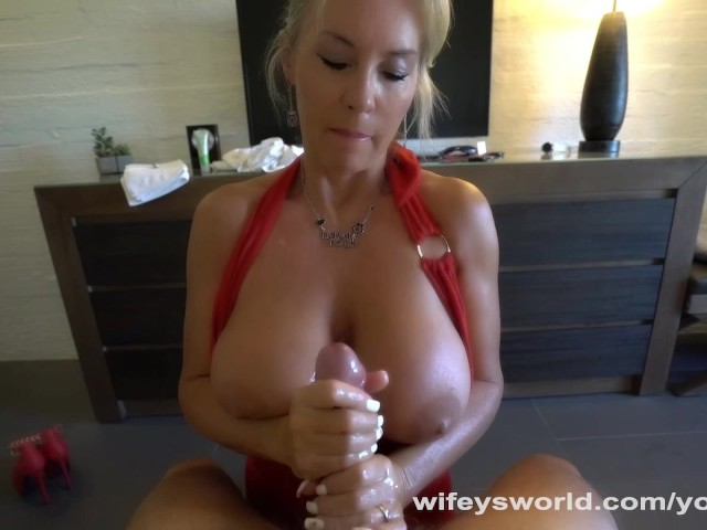 Blonde Uses Her Huge Tits To Make You Cum - Free Porn -2335