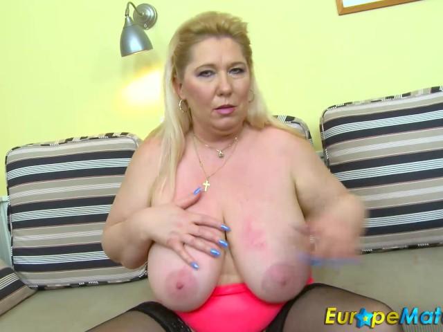 Онлайн зрелая чешка, красивые взрослые женщины чулках