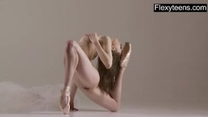 Dünnes schwarzes Nodist Gymnastik Sex