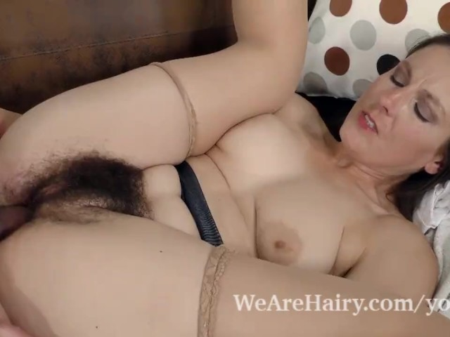 Valentina Ross Gets Her Hairy Pussy Fucked Hard - Free -1120
