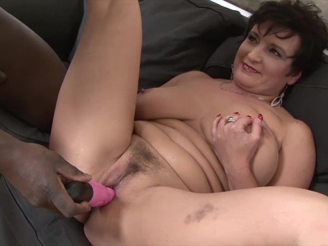 Granny Hardcore Fucked By Black Man In Her Tight Ass Loves -2100