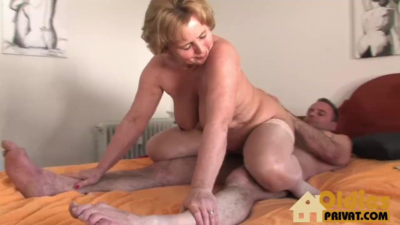 Granny bid tits