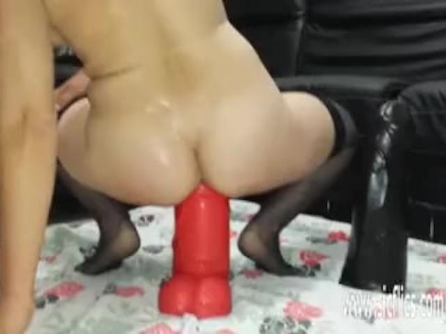 Amateur skinny brunette sex tape