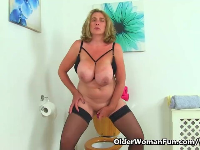 Big Titted Milf Camilla From The Uk Gets Naughty On Toilet -4611