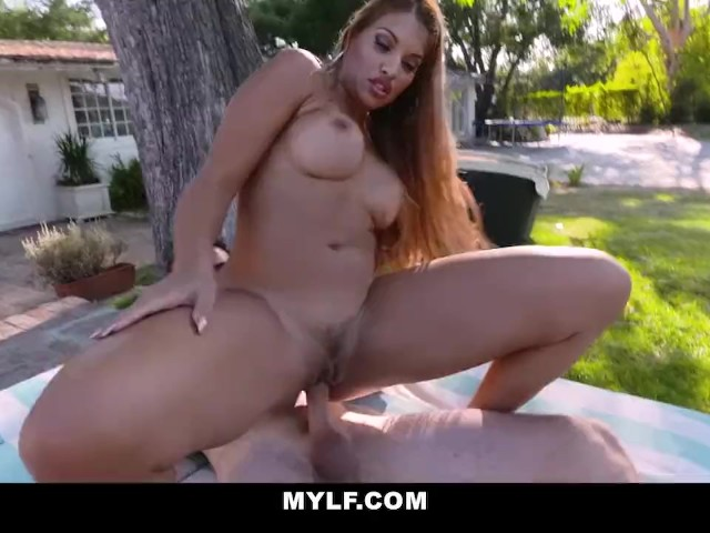 Sexy Thick Latina Creampie
