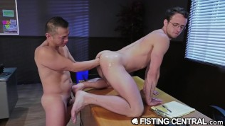 FistingCentral Asian Dude Crawls To Fist His Boss' Hole