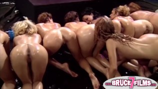 lesbiennes orgie xxx strakke harige pussy pics