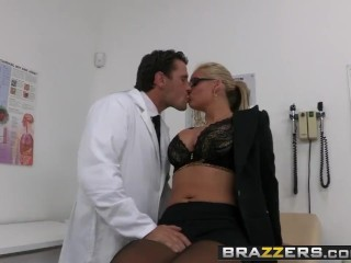 BRAZZERS – Dirty milf Phoenix Marie wants that Doctor Cock and she wants it rough